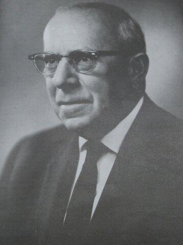 Dr. Federico Mora