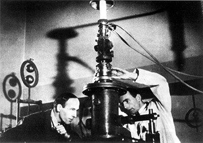 MICROSCOPIO ELECTRONICO- Ernst Ruska y Max Knoll