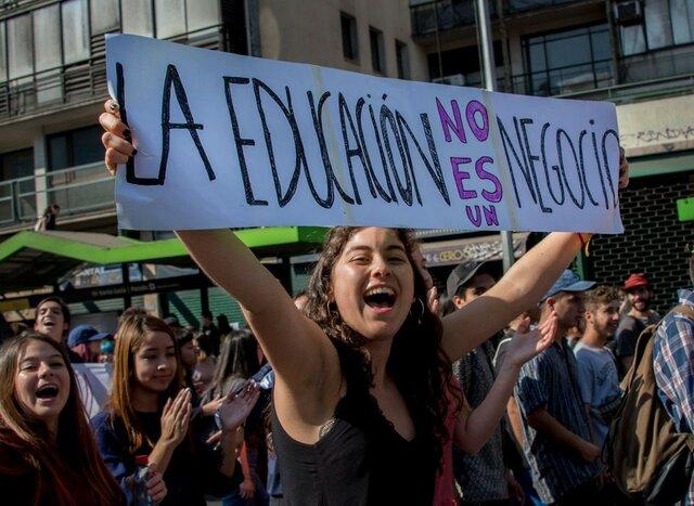¿Cuál es la situación laboral de los maestros en la región?