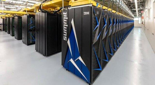 SUPERCOMPUTADORA IBM ES-9000