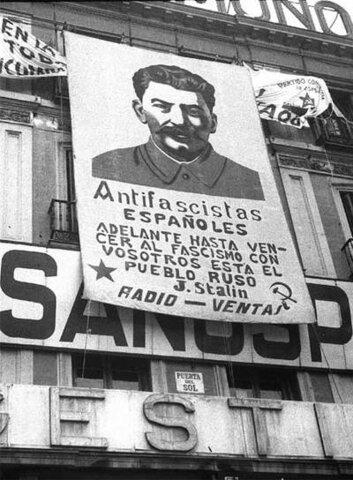 La URSS anuncia su ayuda a la República