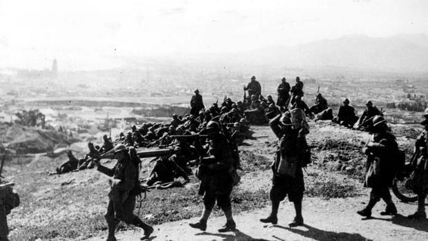 Las tropas italianas ocupan Málaga