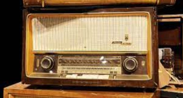 Radio (Guillermo Marconi / Nikola Tesla)