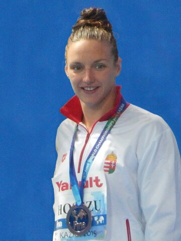 Evento sportivo =  Katinka Hosszu a 26 anni batte record di velocità a nuoto 200 m