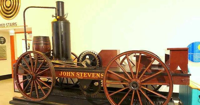 Первый локомотив, работающий на пару