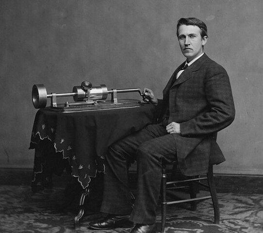 Thomas Edison descubrió las emisiones termoiónicas
