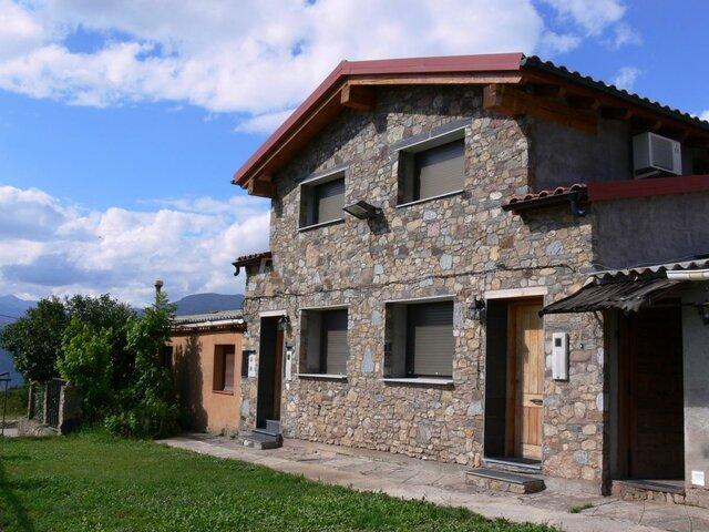 Construcció de casa al poble