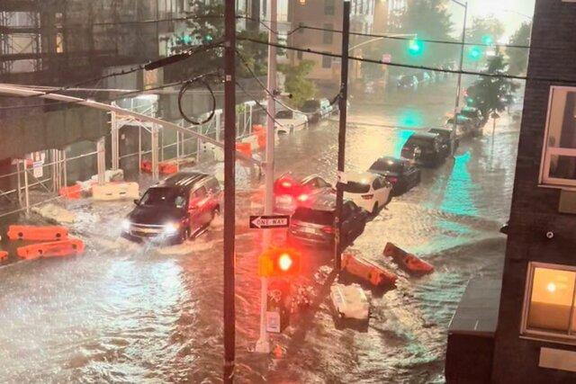 inmensa destrossa i inundació a Estats Units (nueva york) (climatològic)