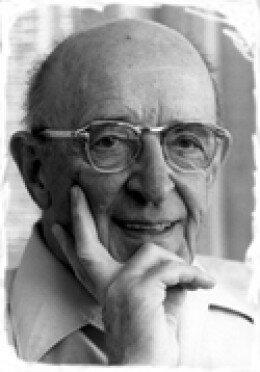 """Carl Rogers: este año escribió """"consejo y psicoterapia"""" y en el año de 1955 escribe """"terapia centrada en el cliente"""""""