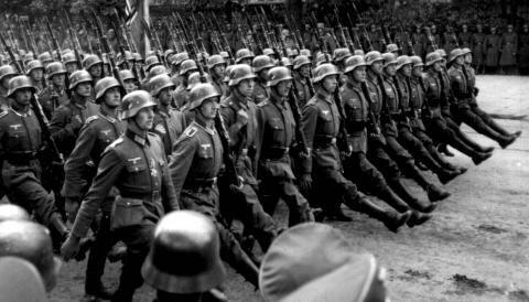 -1939-1945 – Segona guerra mundial.