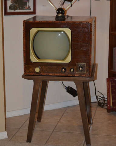television became very popular in householes