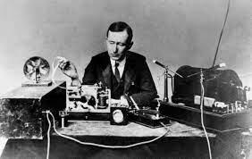 Primera Trasmisión de Radio