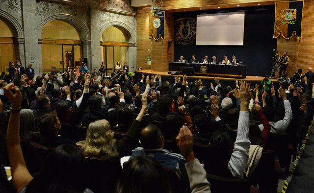 Se aprobó formalmente por el Consejo Universitario de la Universidad Nacional Autónoma de México (UNAM) el plan de estudios de la licenciatura en psicología.