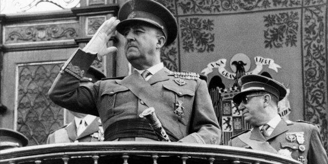 1939-1975 – Dictadura militar de Francisco Franco a Espanya.