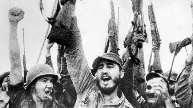 1959 – Triomf de la Revolució Cubana amb Fidel Castro.