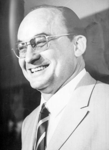 1970 El Lic. Luis Echeverría modifico el marco legal de Telesecundaria
