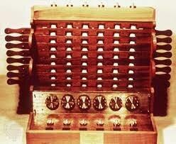 wilhelm schickard inventa la primera la calculadora mecánica