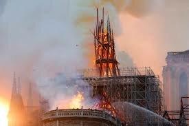 Va ser cremada Notre Dam