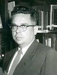 1971 Víctor Bravo Ahuja, reestructuro la organización de la Telesecundaria.