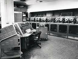 Aparece la UNIVAC