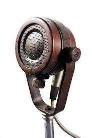 Primer Micrófono De Radio