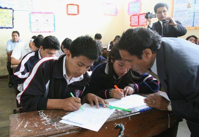 2003 Se considera pertinente implementar otra reforma a la educación secundaria.
