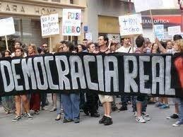 DEMOCRACIA  (1975)