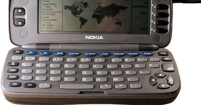 Primer teléfono inteligente(El Nokia 9000)