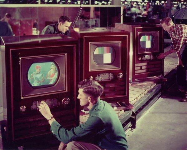 Primera Televisión Con Color