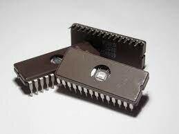 Aparecen os circuítos integrados (o chip) e a 3º xeración
