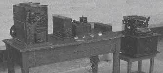 leonaro torres quvedo construye su aritmómetro electromecánico, primera calculadora automática