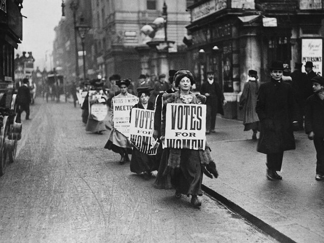 FIRST PROTEST OF THE SUFFRAGETTES