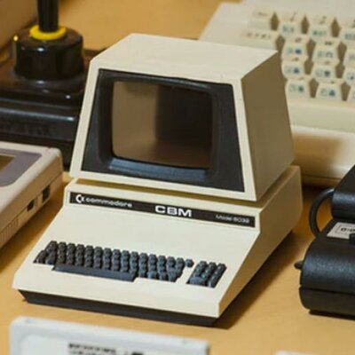TECNOLOGY IN THE 80'S timeline