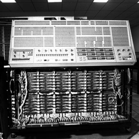 La segunda generación (1952): El invento del transistor