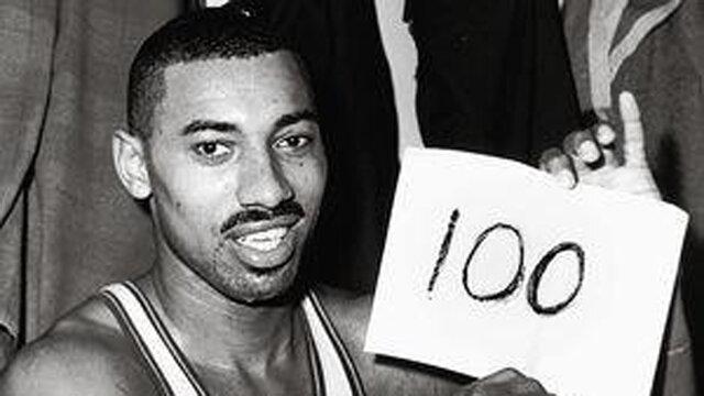 Record 100 puntos en un partido.
