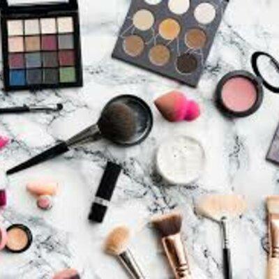 Historia del maquillaje timeline