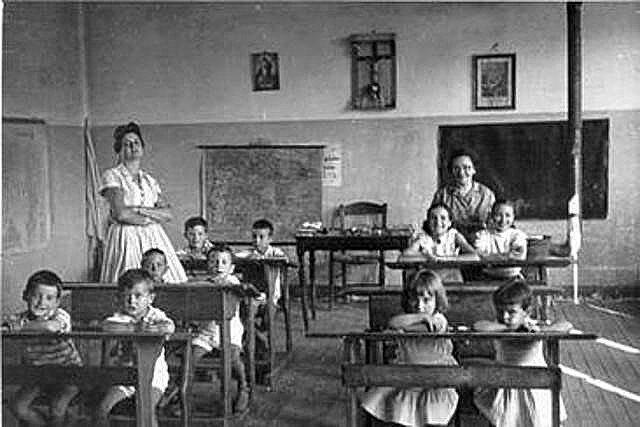 1851 Fundacion primera Escuela Campestre Yerba buena