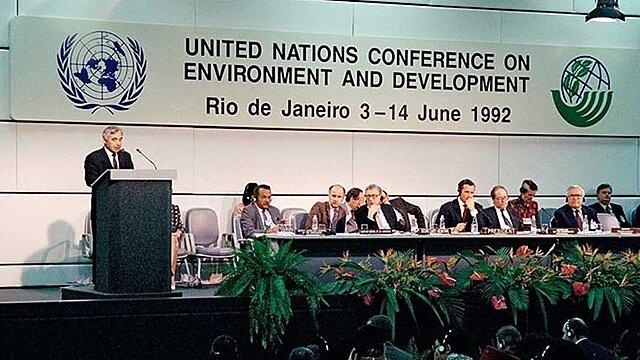 Entra en vigencia la Conferencia de las Naciones Unidas sobre el Medio Ambiente y el Desarrollo.