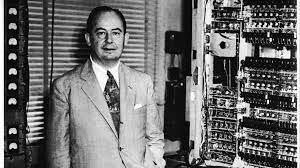 John Von Neumann crea la EDVAC