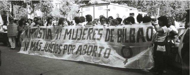 Las feministas se manifiestan por primera vez en España