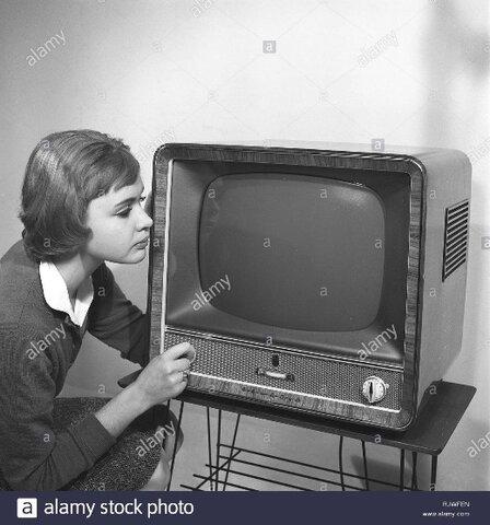 Aparece la televisión educativa