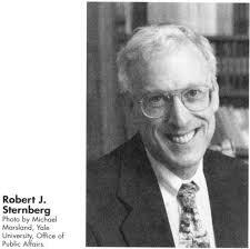 Teoría Triarquíca Robert J. Stemberg 1985
