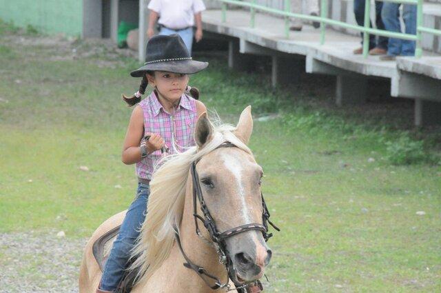 aprenc a muntar a cavall