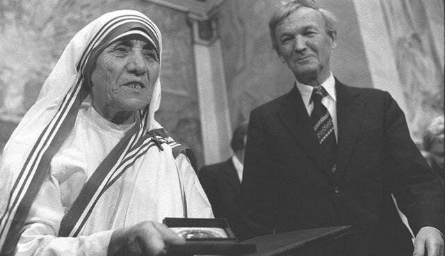 Mother Teresa of Calcutta wins the Nobel Peace Prize