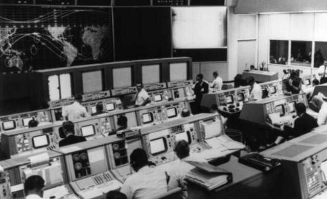 Economía globalizada y Revolución tecnológica. Internet