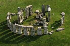 Stonehenge (3100 A.C - 2100 A.C)