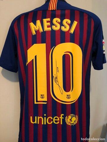 Em regalen samarreta firmada pels jugadors del Barça