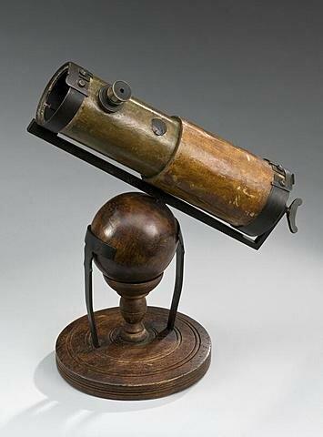 El telescopio es inventado por Hans Lippershey.