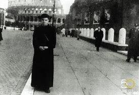 Se ordena sacerdote