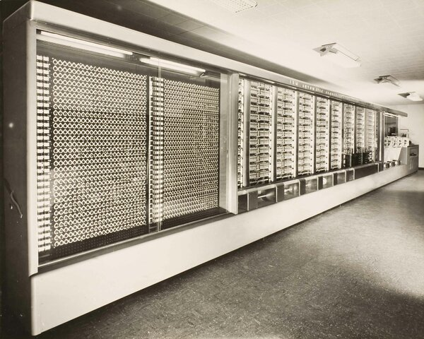 Mark 1: primer ordenador electromecánico